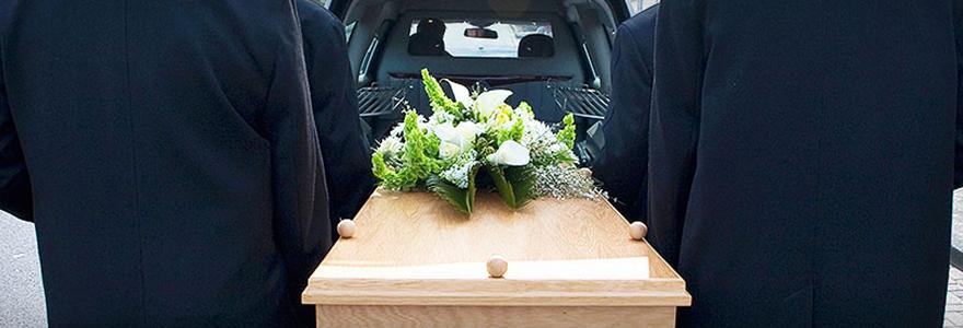 une cérémonie funéraire